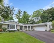 713 Thomas Court, Libertyville image
