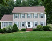 9 Pond Point Drive, Bedford image