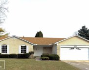 880 BARCLAY COURT, Troy image