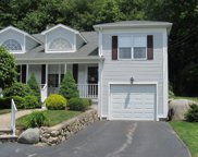 9 COUNTRYSIDE DR, Smithfield image