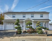 2922 Riverside  Dr, Wantagh image