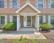 7701 Queens Court, Downers Grove image