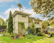 1647 Ross  St, Victoria image