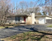 381 N Country Rd, Sound Beach image