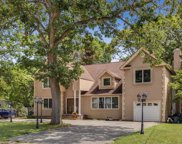 55 Harned Rd, Commack image