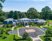 28 Applegreen Dr, Old Westbury image