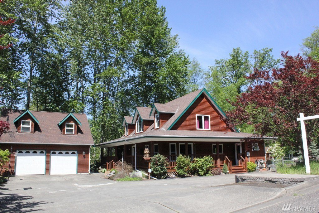 Downtown 1307 15th ave sw puyallup wa 98371 for Custom home builders puyallup wa