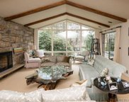 68 Crescent Beach Rd, Glen Cove image