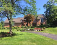 5061 Far Ravine Crt, West Bloomfield image