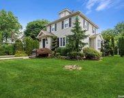 65 Chestnut  Avenue, Floral Park image