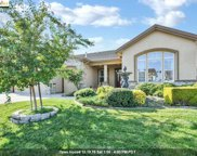 596 Valmore Pl, Brentwood image