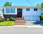 687 Arbuckle  Avenue, Woodmere image