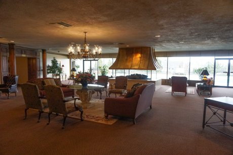 Zion Summit Condos for Sale - entry lounge