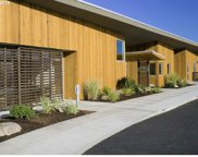 220 CLEARWATER  LN, Hood River image