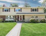 2 Claralon  Court, Greenlawn image