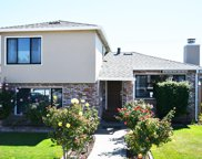 626 Guildford Ave, San Mateo image