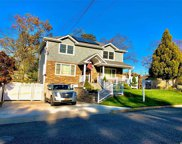 285 Chambers Ave, East Meadow image