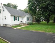 561 BROUGHTON AVE, Bloomfield Twp. image