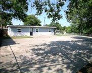 101 S Lakeview Drive, Lake Dallas image