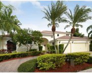 2530 Montclaire Cir, Weston image