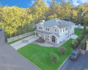 34 Peachtree  Lane, Roslyn Heights image
