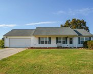 1227 Clearwater Dr, Winder image