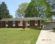 465 Forest Lake Circle, Kernersville image