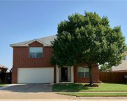 7545 Brentwood Stair Road, Fort Worth image
