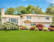 21 Lakeshore  Drive, Eastchester image