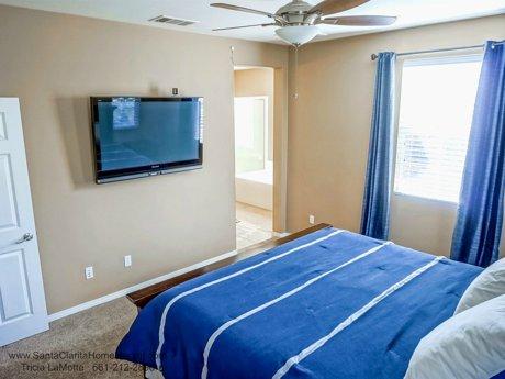 28481_Herrera_St_Valencia_CA_91354_master bedroom