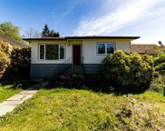 207 W 24th Street, North Vancouver image