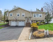23 Sycamore  Lane, Commack image