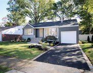 1422 Mark Dr, East Meadow image