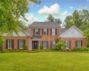 719 Havenwood Circle, Warson Woods image