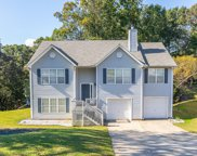 3852 Valley Creek Dr, Flowery Branch image
