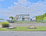 9 Roneck  Ct, Shirley image