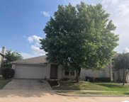 553 Linacre Drive, Fort Worth image