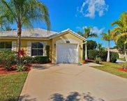 2286 Nw 208th Ter, Pembroke Pines image