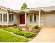 2177 Courtleigh, Chesterfield image
