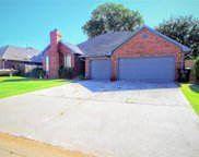 677 Crescent Circle, Midwest City image