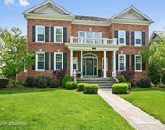 907 Winslow Circle, Glen Ellyn image