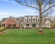 16 Outer Ladue  Drive, Frontenac image