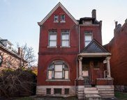 2752 Armand, St Louis image