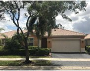 4273 Pine Ridge Ct, Weston image
