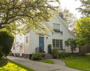 953 LINCOLN, Grosse Pointe image
