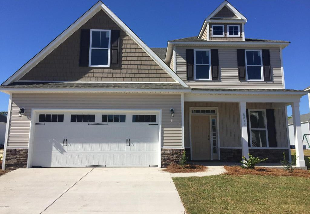 6512 woodlee lane wilmington 28412 for Two story homes under 200k