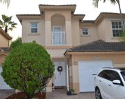 884 Nw 170th Ter, Pembroke Pines image