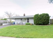 33 Meadow Lane, Levittown image