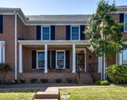 303 Foxborough Sq W, Brentwood image
