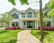 9 Radcliff  Drive, Great Neck image